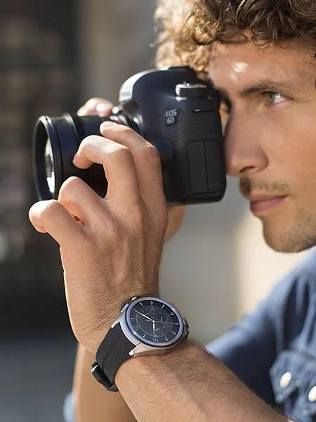 LG融合時尚潮流與運動風尚推出LG Watch Urbane 2nd Edition,打造一款能夠滿足消費者工作場域與休閒活動不同需求的智慧型腕錶。
