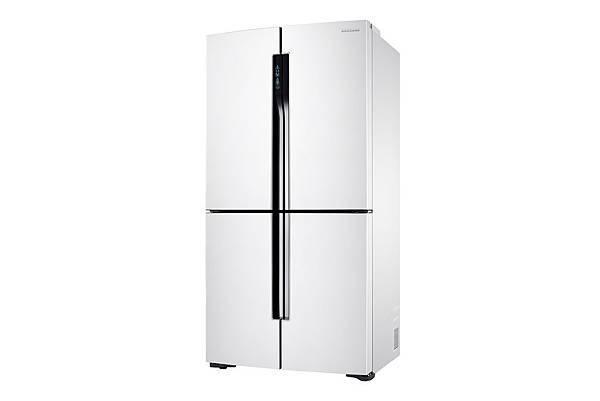 全新663公升櫥櫃型三循環多門旗艦系列冰箱,外觀採用鋼琴烤漆,純白的外型結合洗鍊感黑色線條,搭配隱藏式手把設計,時尚簡約工藝完美提升廚房品味。