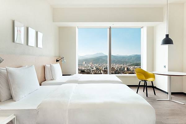 amba-Taipei-Songshan-Hotel-Medium-Twin-River-View-Room