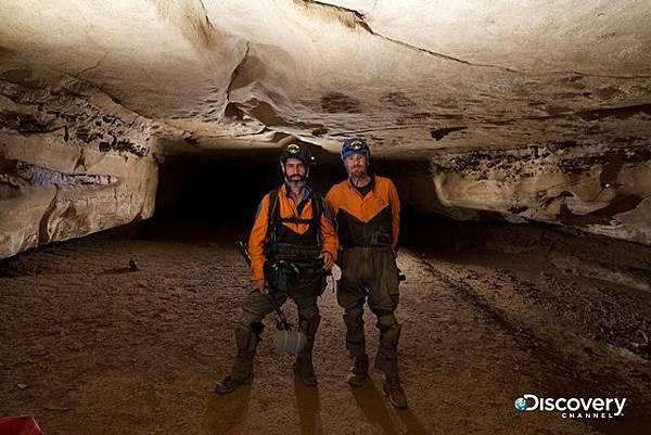 專業洞穴探勘者