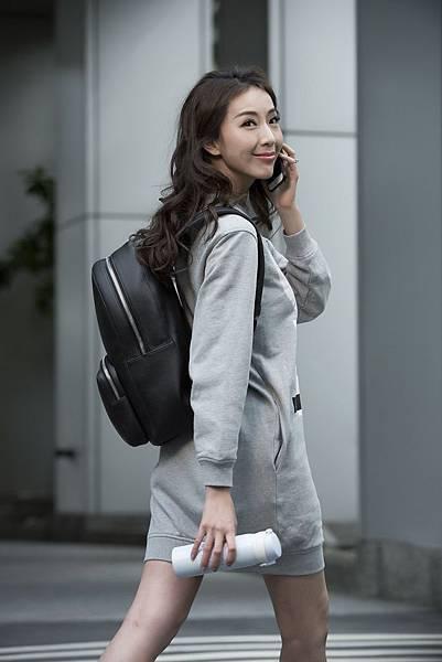 02_萬寶龍邀請「巨星辣嗎」演繹Meisterstück Soft Grain系列黑色後背包