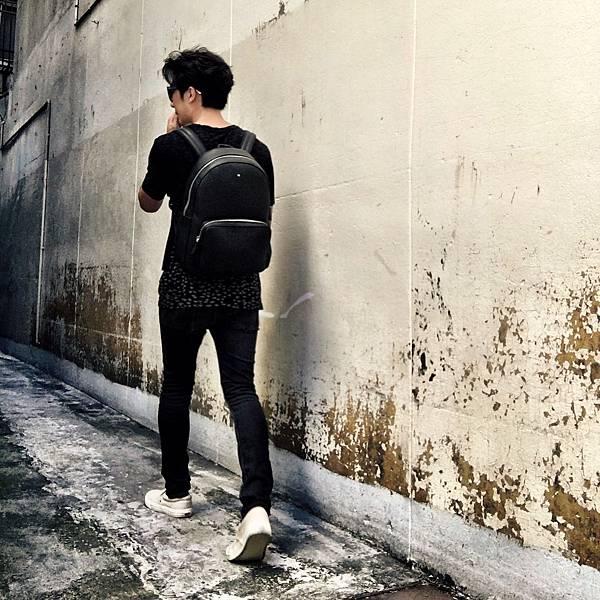04_「潮流男星」懷秋演繹萬寶龍Meisterstück Soft Grain系列黑色後背包