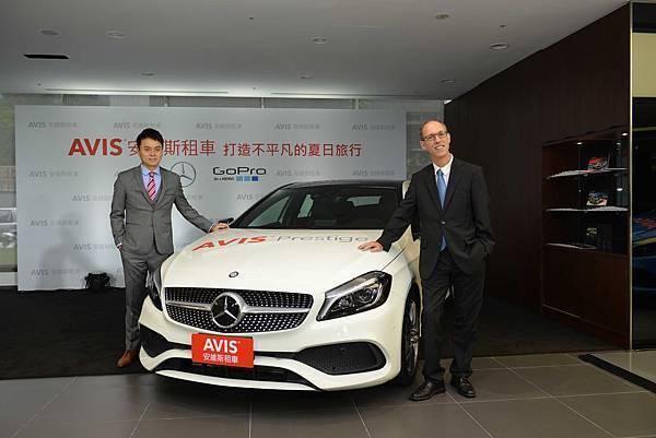 【新聞圖說二】AVIS安維斯租車董事長彭仕邦(左一)與台灣賓士轎車行銷業務副總裁 司達恆(左二)合影