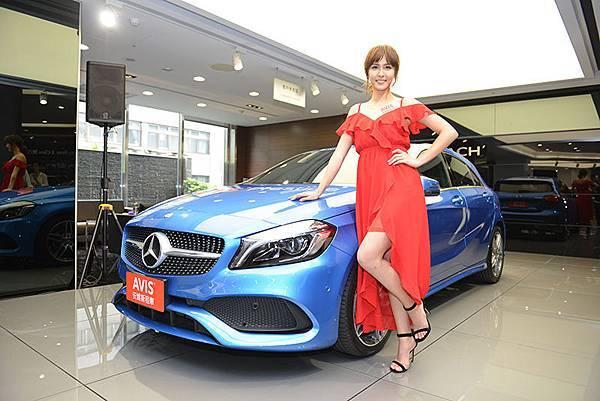 【新聞圖說四】女神魏蔓開車控 搶租時尚跑格新車A180 大呼車就是自己的小男友