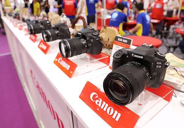圖三 2016台北電腦應用展Canon推出多重加碼好禮,並展出多場熱銷及最新產品,歡迎到Canon攤位一探究竟。