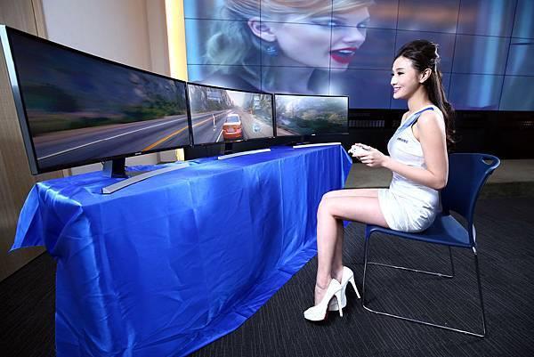 三星新款曲面顯示器舒適護眼零閃屏 寬廣視野零死角 為遊戲玩家打造超曲面沈浸式體驗