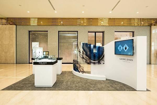 02_喬治傑生年度紀念項鍊快閃概念店注入品牌「藝術與設計」的核心價值,集結歷年經典之作的精華,以嶄新風貌讓消費者一窺品牌的傳世工藝的經典珠寶。