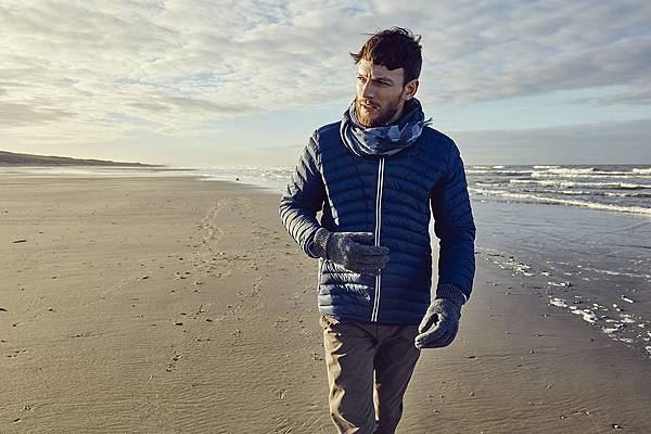 【AIGLE】AIGLE 2016秋冬商品,男款輕量防潑羽絨外套,採用天然羽絨填充,質輕又保暖且輕便好收納