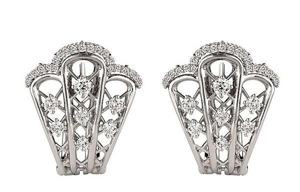 14. BURLESQUE舞孃白金鑲鑽耳環,建議售價:NTD 339,000