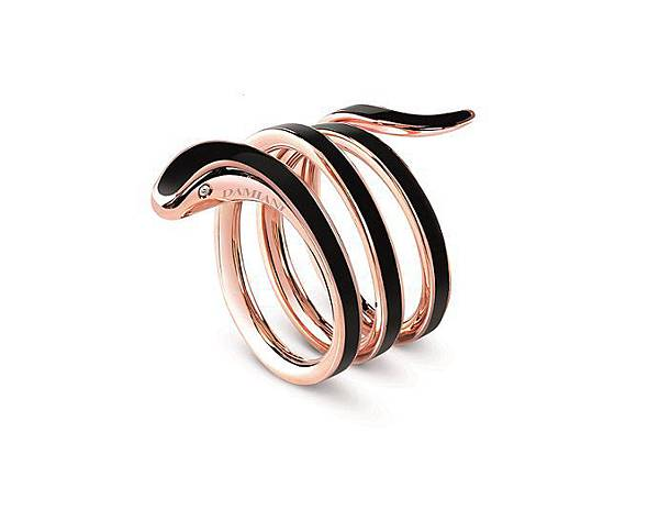 9. EDEN 蛇舞1.2系列玫瑰金黑陶瓷三圈戒指,建議售價:NTD 69,000