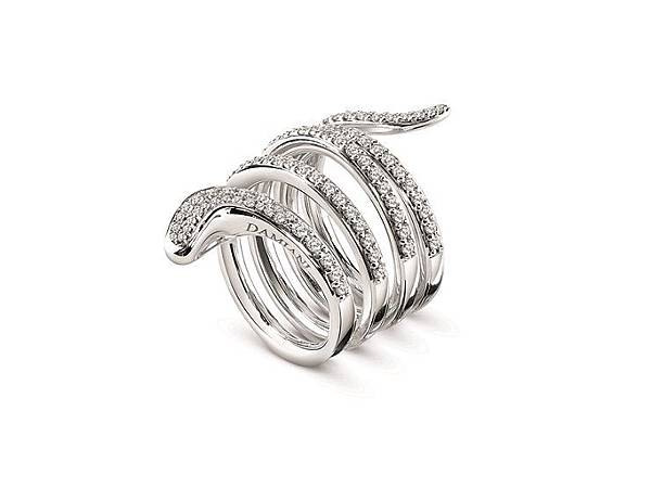 10. EDEN 蛇舞1.2系列白金鑲鑽四圈戒指,建議售價:NTD 249,000