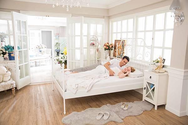 量身舒壓床 標準雙人床 原價89,000元,特價68,888元