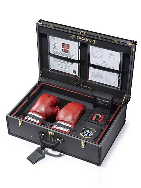 TAG Heuer CARRERA Calibre 5「RING MASTER」致敬拳王阿里全球限量一只 獨一無二純金套裝組_錶盒內部