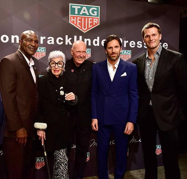 左起依序為職業拳擊手Evander Holyfield、TAG Heuer品牌之友Iris Apfel、TAG Heuer執行長Jean-Cla...