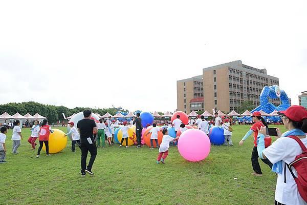 【YAMAHA運動會】育幼院小朋友體驗30滾球挑戰賽,孩童充滿無比開心的笑容