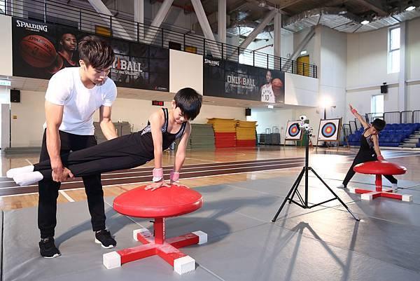 翻滾吧 男孩 李智凱 指導三民國小 體操隊