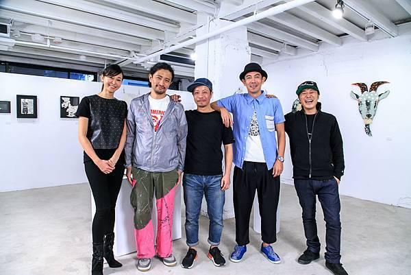 (左起)策展人Acco、Taka、Hisayuki Tanaka、藝術家Kentarou Tanaka田中健太郎、Yoshinori Sakamaki a.k.a. sense坂巻善徳