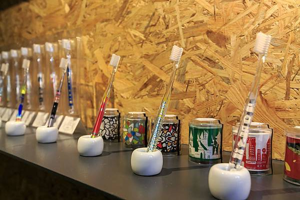 CHOPSTICKS Exhibition TAIPEI 日本藝術家系列聯展於今日2016年11月25日至2016年12月1日和藝術家設計日用品展「Find your daily art!」一同於台北市濕地 venue 展出6