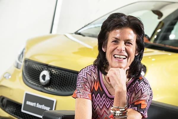 甫於去年中上市的新一代smart於全球銷售成績亮眼,2010年起接任smart品牌總裁Dr. Annette Winkler功不可沒