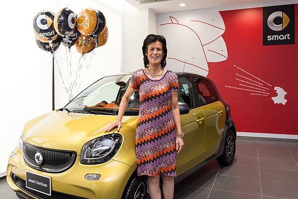 smart品牌總裁Dr. Annette Winkler於昨日(12月13日)旋風訪台,並出席車主活動,同時為第一線銷售人員加油打氣