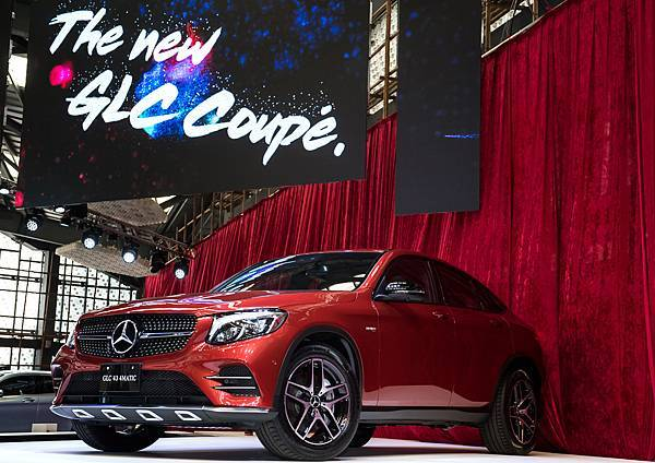 台灣賓士推出跨界跑旅全新Mercedes-Benz GLC Coupe,成就地表上最磅礡的休旅陣容