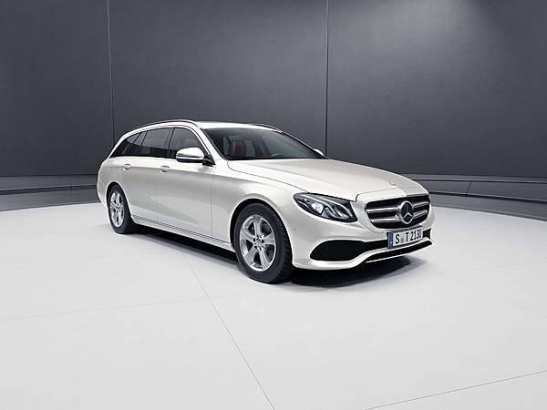 新世代E-Class Estate承襲房車車型的美學,創造出前所未有的智能新風範