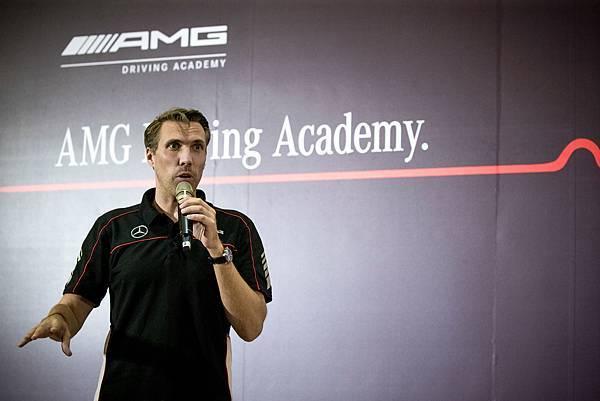 AMG Driving Academy駕駛學院課程空運德國原廠專業團隊,引導學員激發AMG車款的極限