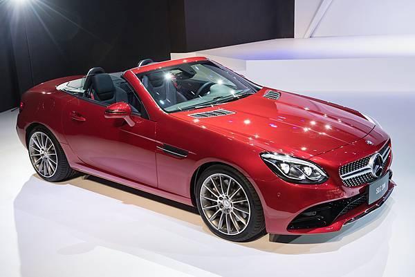 Mercedes-Benz夢幻轎跑車相較2015年獲雙位數成長(圖為SLC 200)
