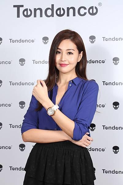 3.時尚名模林葦茹配戴Tendence Dome圓頂系列錶款_ NTD13,920