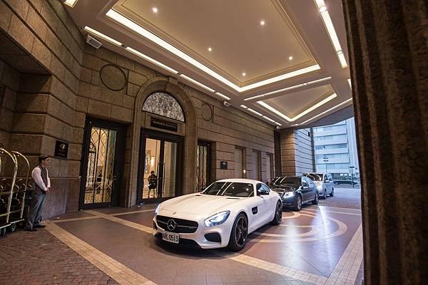 台灣賓士出動Mercedes-Benz夢幻車隊,迎接金鋼狼 休·傑克曼與X教授 派崔克·史都華。