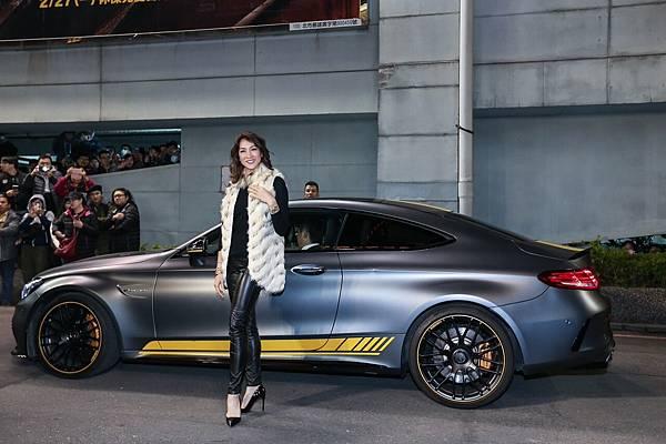星光大道由Mercedes-AMG C 63 Coupe Edition 1等性能勁駒與李詠嫻等藝人擔任紅毯先鋒。