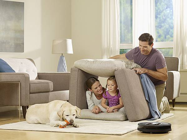 iRobot秉持三大核心『SMART』、『SIMPLE』、『CLEAN』讓您有更多時間陪伴家人共創回憶