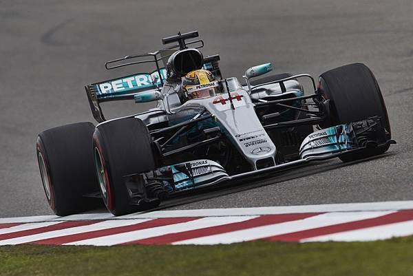 Lewis Hamilton奪冠後,也讓自身於車手積分排行榜位置與Sebastian Vettel並列第一,而所屬車隊MERCEDES AMG PETRONAS積分也暫時領先群雄