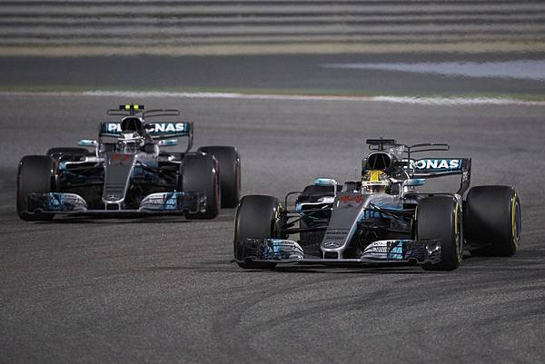 Lewis Hamilton展現優勢速度,雖被罰時5秒,仍順利奪得本站亞軍,隊友Valtteri Bottas則緊跟在後,以季軍完賽