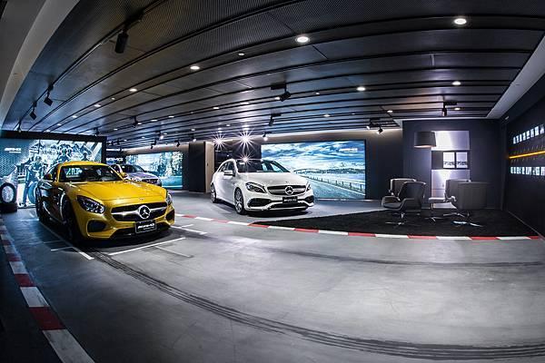 考量Mercedes-AMG市場專屬性,台灣賓士於北中南成立四座AMG Performance Center,2016年更是創下81.8%成長