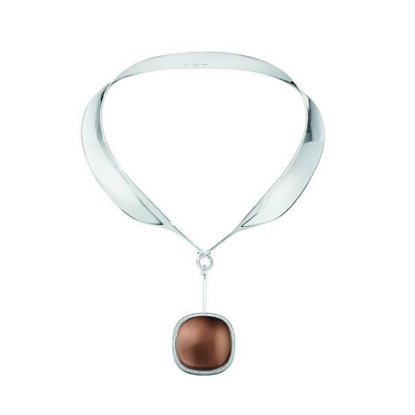 GEORG JENSEN_BASEL WORLD_VIVIANNA DEW DROP_純銀煙水晶與鑽石墜飾頸圈_建議售價NT$135,500