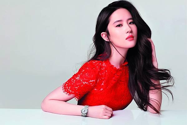 图3:天梭表品牌形象大使刘亦菲完美演绎天梭宝环系列腕表
