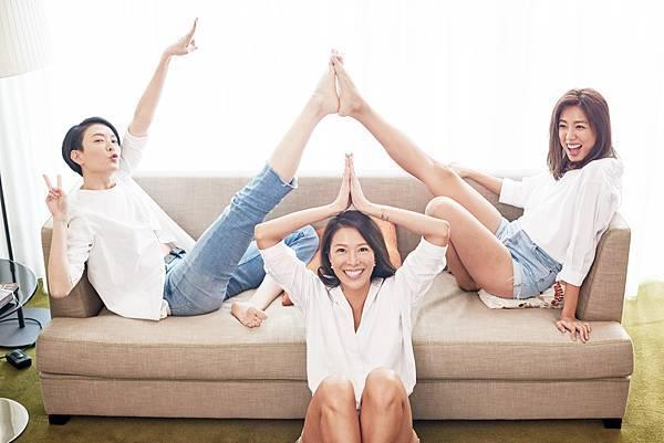 《女子訓練營》收錄了完整QR CODE動作示範,跟著三位名模一起變瘦又變美