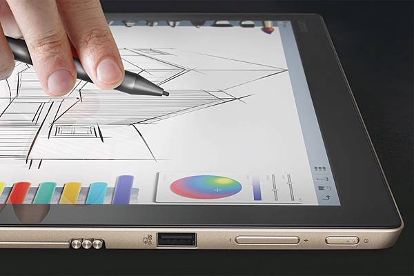 選購的Lenovo Active Pen觸控筆,支援2,048階壓力感應,讓使用觸控筆呈現宛如在紙上書寫的效果