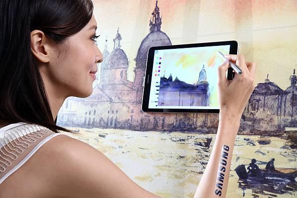 全新一代S Pen暢享娛樂同時亦能成為即時創作和辦公工具 成為轉換工作與娛樂的最佳利器