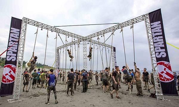 【新聞圖說五】全球最具盛名的「Spartan Race」斯巴達障礙跑,吸引台灣逾4千人次參與挑戰