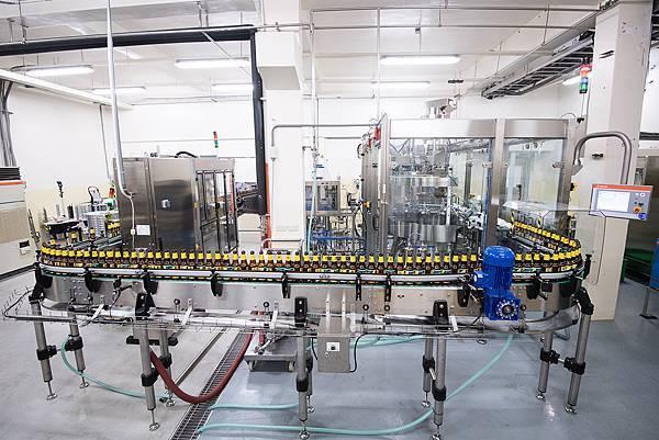 圖1.SUNMAI金色三麥全新充填設備,可客製不同瓶裝容量需求