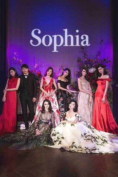 蘇菲雅SophiaRitz 2017春夏禮服發表會 玫瑰綻放 Roselike Bold系列