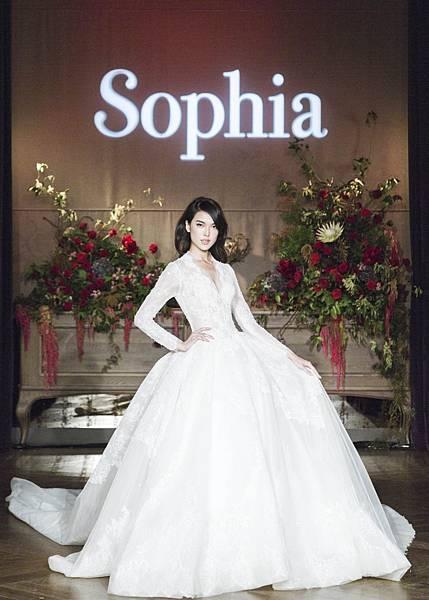 名模 王思偉華麗演繹蘇菲雅SophiaRitz 致敬款 Homage白紗