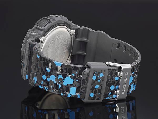 錶身藍色噴墨塗鴉設計