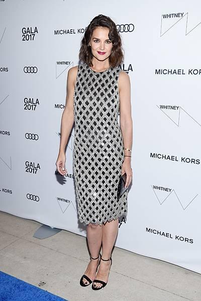 美國演員Katie Holmes身著Michael Kors Collection 2017早秋系列出席活動