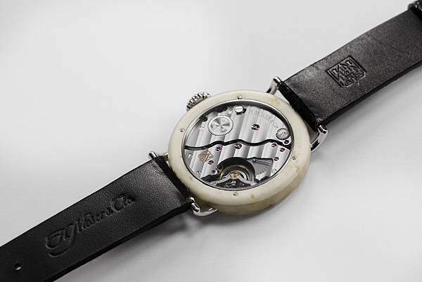 4. Swiss Mad Watch_錶背圖