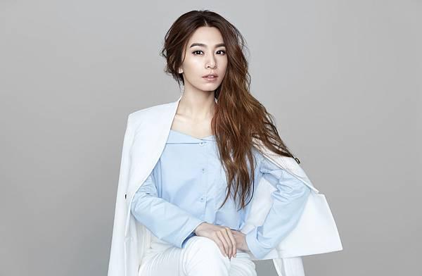 田馥甄擔任帝康2017年度代言人,拍攝一系列全新形象視覺,展現帝康耀眼姿態。