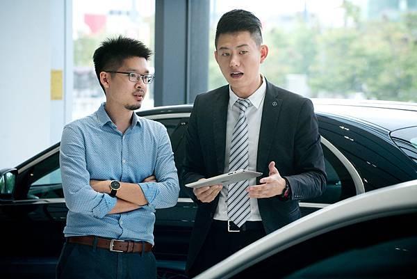 台灣賓士及經銷商之同仁享有優質的就業環境及制度化的升遷管道,讓每一位工作同仁的職涯都有發展的無限可能