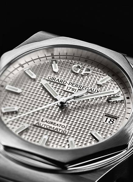 4. GP 芝柏表Laureato 桂冠系列38MM不鏽鋼錶殼鋼帶款_NTD 316,800